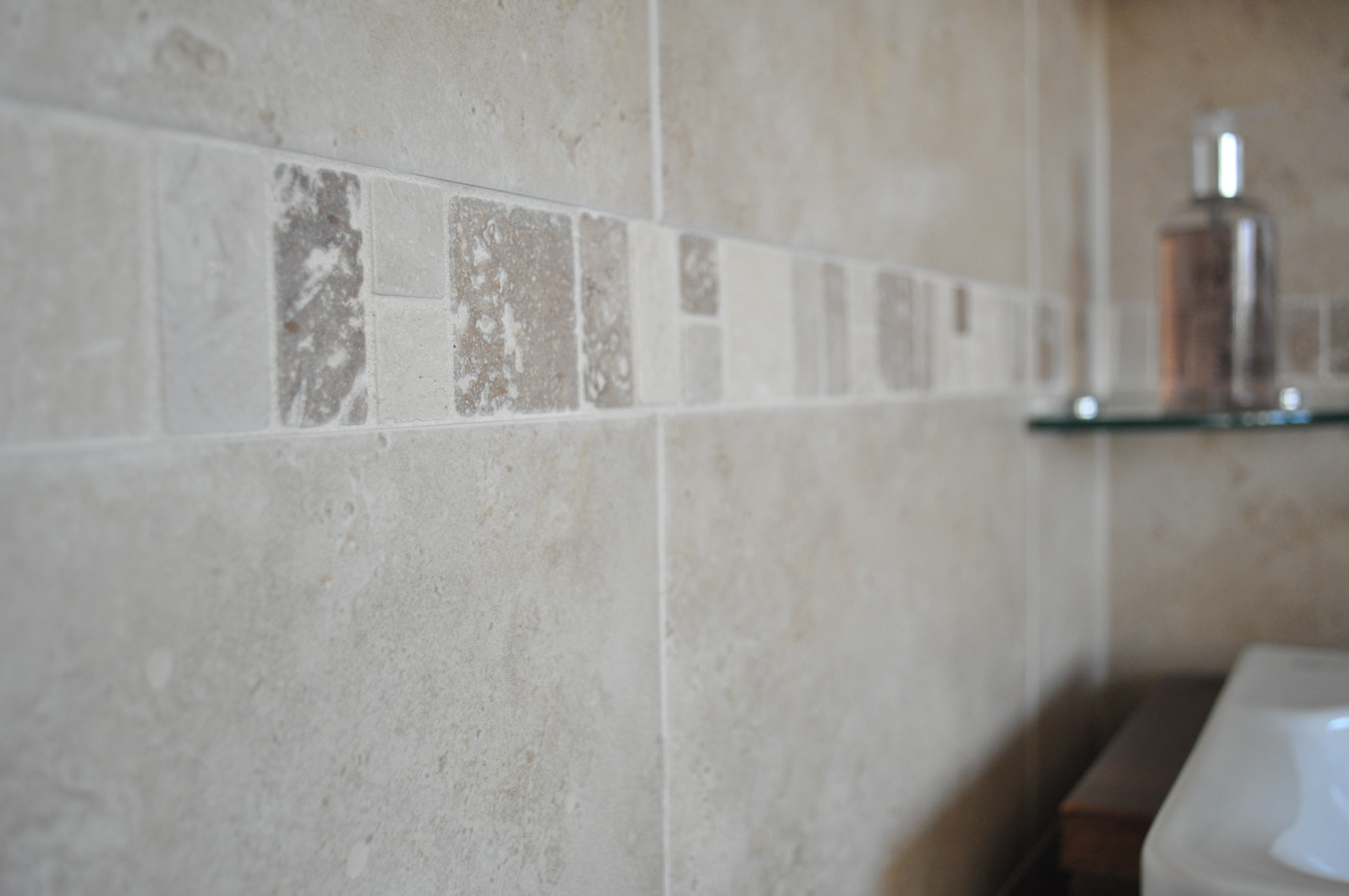 The classic bathroom tile design clasico and quantocks for Bathroom tiling ideas uk
